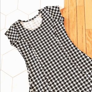 Dresses & Skirts - Small black and white houndstooth fit&flare dress